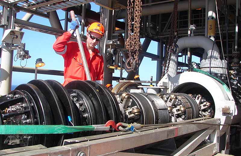 safe-efficient-offshore-valve-replacement